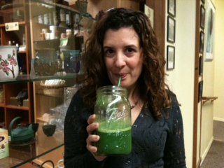 Drink Green Juice and Feel in the Pink for 2011